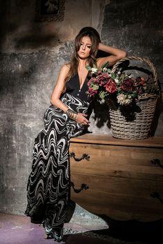 Pentru o zi, iesi in evidenta cu noua fusta VEIL SKIRT - All I Want! Strapless Dress Formal, Formal Dresses, Veil, Things I Want, Bohemian, Skirts, Fashion Design, Style, Dresses For Formal