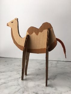 Zoo animals in recycled cardboard! - Quick, Easy, Cheap and Free DIY Crafts Cardboard Animals, Cardboard Crafts, Diy For Kids, Crafts For Kids, Arts And Crafts, Camel Craft, Family Fun Magazine, Camelo, Kids Wood