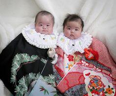 双子のお宮参り : 日の丸写真館 Japón
