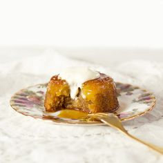 The Kiwi Cook | Pineapple and Golden Syrup Upside Down Cakes | http://thekiwicook.com