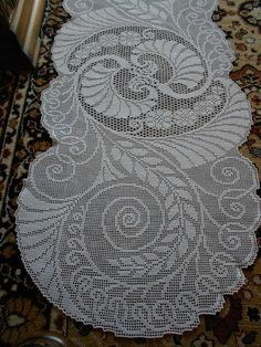 Filet Crochet -  an absolutely beautiful table runner.