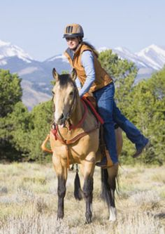 Improve your horsemanship, and develop a kind, trustworthy relationship with your trail horse with top clinician/trainer Julie Goodnight. This issue: Teach your horse to stand still as you mount.