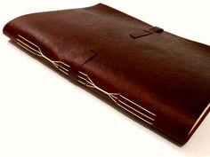 livro artesanal pautado, capa em recouro