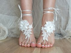 5 pairs bridesmaid gift Free Ship ivory lace sandals, bridal anklet, ivory Beach wedding barefoot sandals, bangle, wedding anklet, anklet,