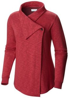 A cool-weather staple ready for anything from an outdoor jaunt to an afternoon meeting, this cozy cotton-blend sweater wrap is super comfortable and exceptionally flattering.