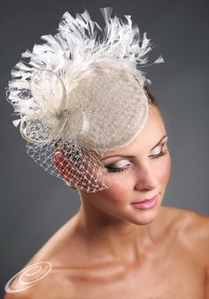 95cff82c986 Items similar to White feather fascinator coctail pillbox hat with veiling  on Etsy