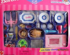 "Barbie COOKING MAGIC GLAMOROUS DINING Playset w COLOR CHANGE ""Magic""! (1997… Barbie Food, Barbie Dream, Vintage Barbie Dolls, Mattel Barbie, Barbie Stuff, Barbie Doll Accessories, Doll Clothes Barbie, Barbie Doll House, Doll Toys"