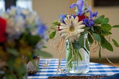 Country Chic centerpiece designed by Buttercup: Cindy DeSau Photography.