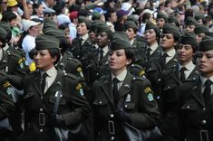 https://flic.kr/p/8kBAbG | Uniformes históricos de la Policía