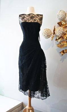Vintage Black Sheer Bateau Neck Short Cocktail Dresses Lace Sleeveless Knee Length A-line Zipper Formal Beauty Homecoming Dress Custom Made from Marrysa,$89.53 | DHgate.com