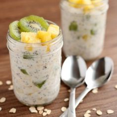 Tropical Overnight Oats by dessertnowdinnerlater #Overnight_Oats #Tropical #Healthy