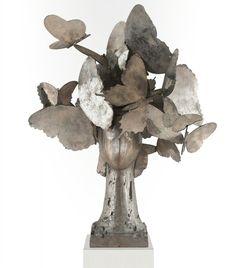 Laurel II aluminum sculpture by Manolo Valdés Modern Sculpture, Sculpture Art, Spanish Artists, Hanging Pictures, Paintings For Sale, Installation Art, Contemporary Artists, Original Artwork, Art Gallery