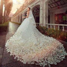 Una cauda infinita. #IdeasenOrden #novias