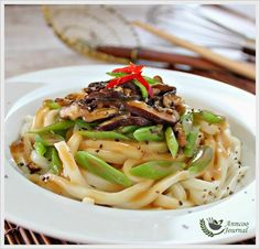 Udon, Mushroom and French Beans | Anncoo Journal - Come for Quick and Easy Recipes