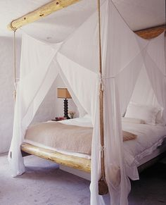 Currently Loving: Great Canopy Beds With Sheer Netting As Canopy Covers!!