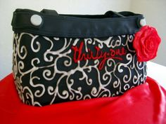 Thirty-One Purse Cake - wowoww!