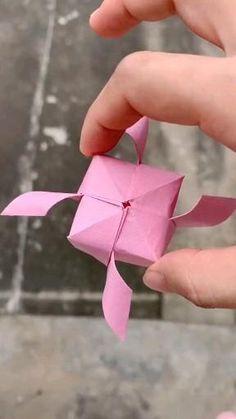 Paper Crafts Origami, Paper Crafts For Kids, Diy Paper, Origami Gifts, Origami Things, Origami Paper Art, Paper Flowers Craft, Diy Crafts Hacks, Diy Crafts For Gifts