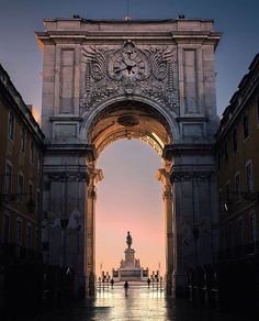 Sunrise at the Arco da Rua Augusta, Lisbonne, Portugal by: natepolta Sintra Portugal, Visit Portugal, Spain And Portugal, Portugal Travel, Portugal Trip, Travel Around The World, Around The Worlds, Places To Travel, Places To Go