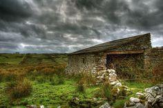 Stone House, Ireland - OGQ Backgrounds HD