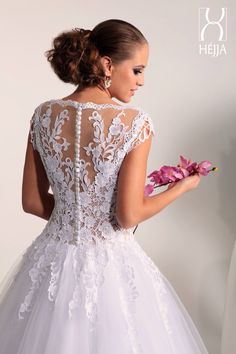 Wedding dress#lace back#flower