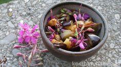 Das zart und mild schmeckende Weidenröschen ist sehr gesund und kann leicht in der Küche verwendet werden, zum Beispiel für diese leckere Gemüsebeilage!