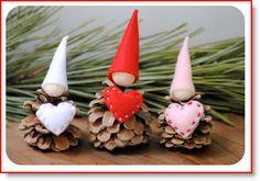 Valentine Gnome & Heart Pin ♥ http://felting.craftgossip.com/2014/12/27/free-felt-tutorial-valentine-gnome-heart-pin/