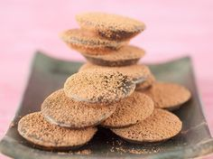 Découvrez la recette Palets au chocolat fondant sur cuisineactuelle.fr.