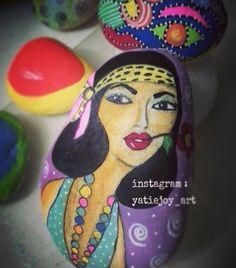 Done #artbyyatiejoy#artist#stoneart#paintedrock#colour#colours#girl#happy#awesome#hobby#stone#art#artforshoutout #instagram#instagramhub#awesomeness#famous#1930#fashion#tasboyama