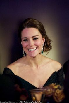 This is a stunning photo of Duchess Kate at the 600th Anniversary NYC Gala Benefit. Love her beatuiful smile (and emerald earrings!). www.diamonds.pro