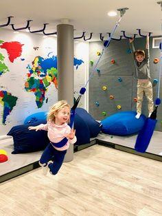 Playroom Design, Kids Room Design, Playroom Ideas, Indoor Playroom, Cool Kids Rooms, Kids Play Area, Toy Rooms, Indoor Playground, Kid Spaces