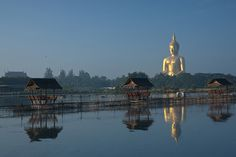 Wat Muang Temple attractive of the largest Buddha Statue in the world Amphoe Wisajchaichan, Angthong province http://travelthailandhappy.blogspot.com/2012/11/wat-muang-temple-attractive-of-largest.html