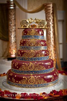 Wedding cake inspiration for your big day. All kinds of wedding cake designs. Tall wedding cakes, indian wedding cakes and henna inspired cakes for the South Asian Bride Indian Cake, Indian Wedding Cakes, Amazing Wedding Cakes, Amazing Cakes, Indian Weddings, Gorgeous Cakes, Pretty Cakes, Cupcake Cakes, Cupcakes