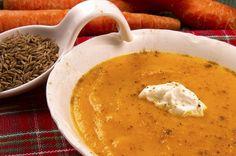 Kurkumovo-mrkvová polievka na boj proti zápalu Soup Recipes, Vegan Recipes, Warm Food, Catering, Dairy Free, Clean Eating, Food Porn, Curry, Food And Drink