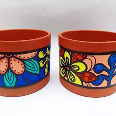 Painted Clay Pots, Painted Flower Pots, Hand Painted Ceramics, Clay Pot Crafts, Diy Clay, Flower Pot Design, Decorated Flower Pots, Mosaic Flower Pots, Cute Clay
