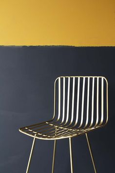 32 Ideas yellow gold painted furniture bedrooms for 2019 Hallway Colours, Room Colors, Wall Colors, House Colors, Gold Painted Furniture, Painted Chairs, Navy Blue Bathrooms, Gold Bathroom, Trendy Furniture