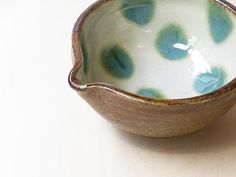 miyagiya - love this pouring bowl - ceramic with polka dots! - FYI link doesn't work, so visual is for inspiration.