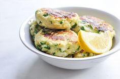 Easy Zucchini Ricotta Fritters - Leave out the salt for babies under Food Recipes HQ Ricotta Fritters, Zucchini Fritters, Zucchini Patties, Vegetable Dishes, Vegetable Recipes, Vegetarian Recipes, Vegetable Snacks, My Recipes, Cooking Recipes