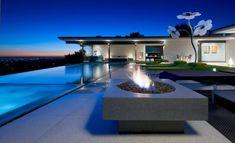 Designer Haus-Flachdach Pool-Außen-Feuerstelle offen sitzgruppe