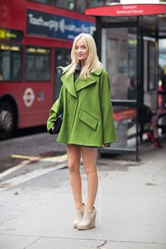 laura whitmore that green pops her eyes great choice