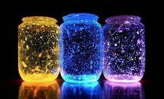 Fabrica para tus hijos estas geniales luces de noche fluorescentes - Entérate de algo Pot Mason Diy, Mason Jar Crafts, Mason Jars, Diy Galaxie, Cool Diy, Easy Diy, Fairy Glow Jars, Diy For Kids, Crafts For Kids