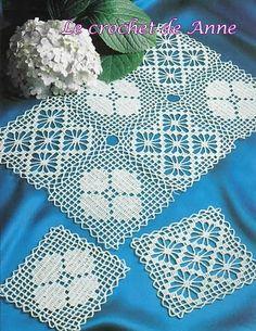 Un napperon et son assemblage de carrés - filet