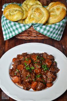Tocanita de vitel - CAIETUL CU RETETE Romanian Food, Romanian Recipes, Yummy Food, Favorite Recipes, Beef, Dinner, Ethnic Recipes, Diet, Meat