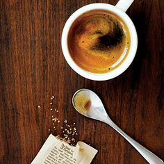 Sunset Magazine offers advice for making A GOOD CUP OF JOE from buying to storing to grinding to brewing. Coffee Farm, Coffee Coffee, Espresso Coffee, Coffee Shop, Drink Coffee, Starbucks Coffee, Coffee Lovers, Coffee Break, Coffee Tables