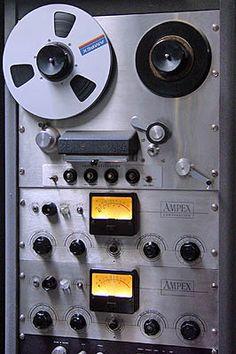 Ampex - www.remix-numerisation.fr - Rendez vos souvenirs durables ! - Sauvegarde - Transfert - Copie - Restauration de bande magnétique Audio - MiniDisc - Cassette Audio et Cassette VHS - VHSC - SVHSC - Video8 - Hi8 - Digital8 - MiniDv - Laserdisc