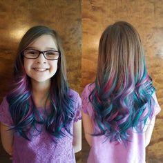 Easy Hairstyles for Girls – unterhellt Haare Hair Dye For Kids, Kids Hair Color, Girl Hair Colors, Hair Dye Colors, Cool Hair Color, Little Girl Hairstyles, Easy Hairstyles, Girls Shaved Hairstyles, Peekaboo Hair