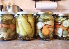 Vegyes savanyúság tartósítószer nélkül | zuborandi receptje - Cookpad receptek Pickles, Cucumber, Ale, Mason Jars, Canning, Food, Cilantro, Home Canning, Eten