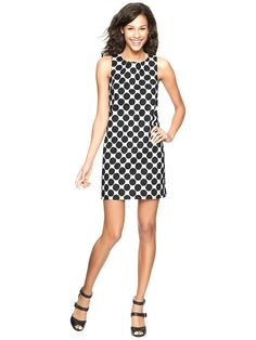 Can you pull off these black + white polka dots by Gap? Pop the look with a bright jewels around the neck!
