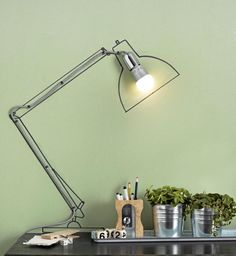 Draw anglepoise lamp on wall. cheaper than the real thing, I suppose Homemade Lamps, Desk Lamp, Table Lamp, Anglepoise Lamp, Diy Recycle, Scandinavian Style, Good Things, Lights, Cool Stuff