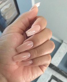 The advantage of the gel is that it allows you to enjoy your French manicure for a long time. There are four different ways to make a French manicure on gel nails. Acrylic Nails Natural, Best Acrylic Nails, Natural Nails, Aycrlic Nails, Nude Nails, Hair And Nails, Glitter Nails, White Nails, Short Gel Nails
