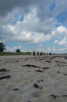 Strandkörbe und Wolken bei Hasselberg, Foto: S. Hopp